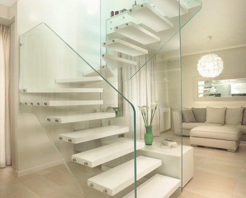 Structural glass and steps in wood - Florence
