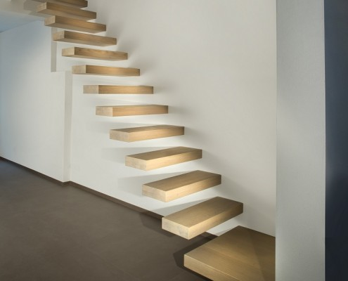 Exceptional Cantilever Staircases