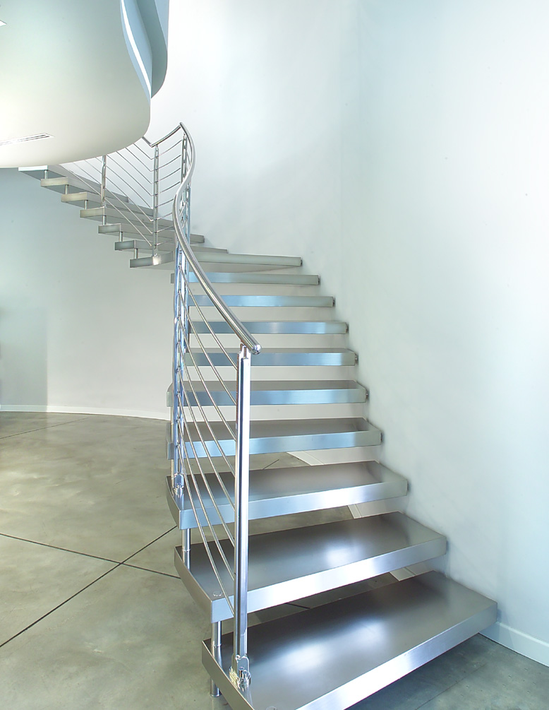 Scale A Sbalzo In Acciaio. Wooden Cantilever Staircase Plated With Stainless  Steel ...