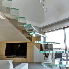 glass-residential-staircase-by-marretti