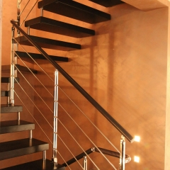 Cantilever-Wooden-Staircase-Moscow